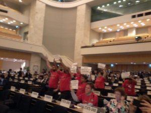 Protes delegasi serikat buruh Brazil dalam sidang ILC ILO ke-105 saat Pemerintah Brazil berpidato.