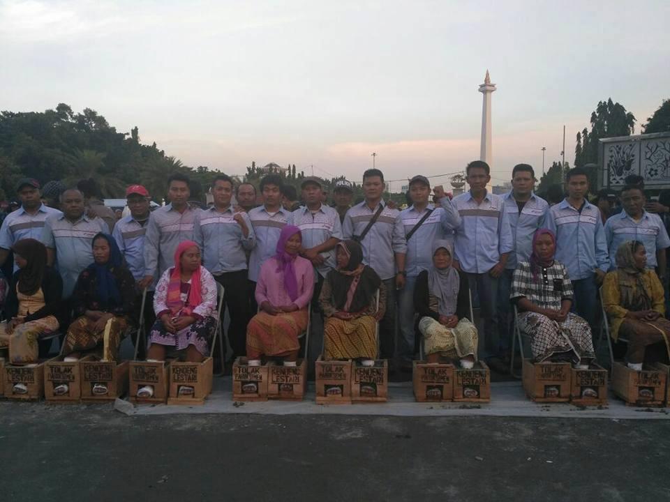 Solidaritas FBPTI KPBI terhadap perjuangan warga Kendeng, di Jakarta (Maret, 2017). Kredit: FBTPI.